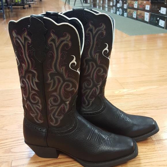 b1357b95f4e Ladies Justin black western boots